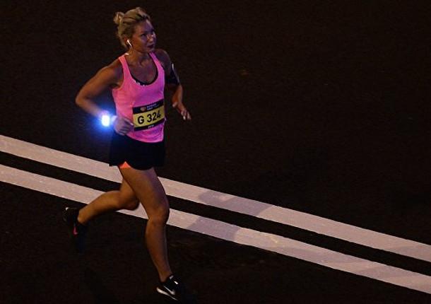 В Москве больше 7000 человек приняли участие в ночном забеге