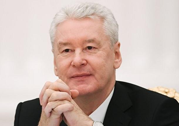 Мэр Москвы поддержал инициативу о внедрении грузовиков в московском каршеринге